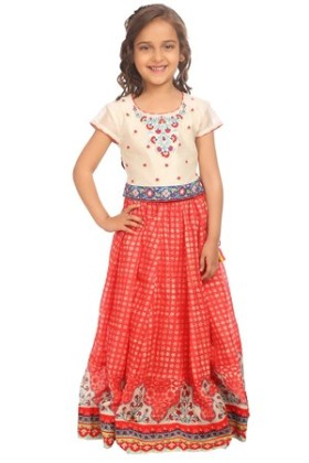 Exclusive Deal:Get upto 50% off on Girl's Fashion