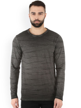 Flat 70% Off On Black Striped Men's T-Shirt