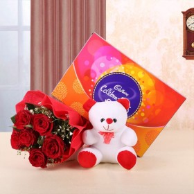 Best Offer: Celebrating With You Gift Offer Only Rs. 945