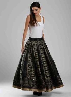 Avail Flat 50% Off At Black Printed Skirt