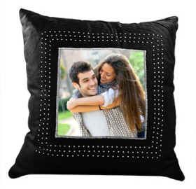 Get Flat 30% OFF On Customized Cushions
