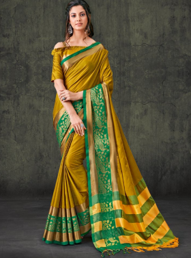Avail Huge Discount On Sarees And Ethnic Wear
